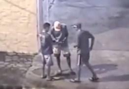 Câmeras flagram trio executando funcionário público no bairro de Mandacaru