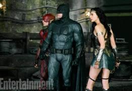 Batman, Mulher-Maravilha e Flash aparecem juntos em foto inédita do novo 'Liga da Justiça'