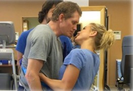 VEJA VÍDEO: Homem acorda de coma e beija esposa