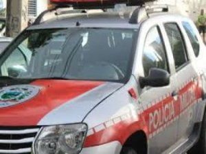 policia militar pm carro viatura 300x225 - FESTA DO CRIME: Mais de 20 são presos e drogas e armas apreendidas em João Pessoa