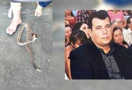 Vereador que matou cobra 'no dente' fica magoado com brincadeiras da internet