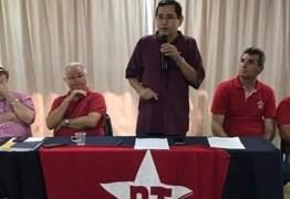 """Anísio veta apoio a Maranhão ao governo por considerá-lo """"golpista"""""""