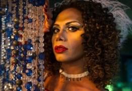 Silvero Pereira debate gênero e preconceito em 'A Força do Querer'