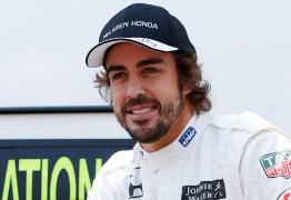 Fernando Alonso comemora a temporada na Fórmula 1