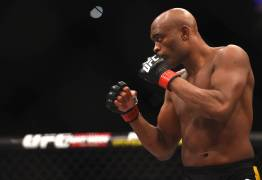 UFC oficializa retorno de Anderson Silva