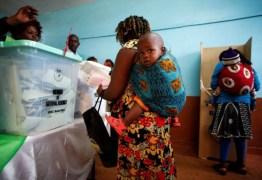 Quenianos alugam bebês para furar filas durante eleição