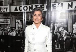 Betty Faria 'imita Goku em novela da Globo e internet vai à loucura