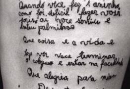 Jovem tatua carta de avó diagnosticada com Alzheimer; Veja reação