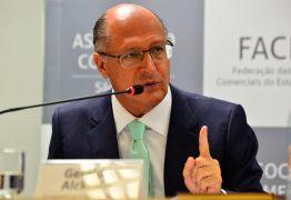 """Geraldo Alckmin minimiza resultados negativos em pesquisas: """"os eleitores estão preocupados comCopa do Mundoe com namorada"""""""
