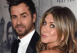 Jennifer Aniston se irrita com cobranças para engravidar: 'uma invasão da privacidade'