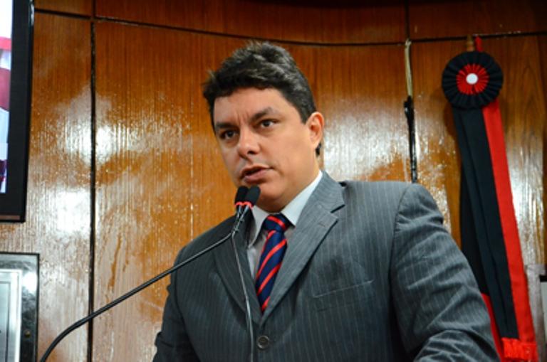raoni - Adriano Galdino assume Secretaria e Raoni retorna à ALPB