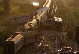 Batida entre trens no Egito causa mais de 40 mortes