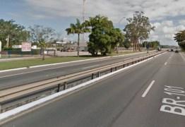 Protesto de caminhoneiros bloqueia trânsito na BR-101 em João Pessoa