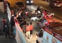 Homem tenta agredir equipes do SAMU e é contido pela Polícia Militar em Patos
