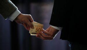 Corrupção 300x173 - Projeto prevê criminalizar corrupção privada no País