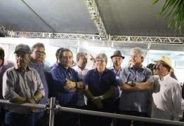 Paraíba Agronegócios é aberta oficialmente com público de 7.500 pessoas