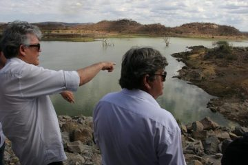 Ricardo e João Azevedo 800x533 - Governo do Estado autoriza abertura da licitação para construção da adutora em Piancó