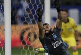 Apresentador da globo usa passagem bíblica para ironizar goleiro Alex, do Flamengo