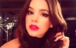 bruna 300x190 - Bruna Marquezine revela por que curtiu post que detonava Anitta