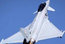 TRAGÉDIA NO AR: Piloto erra manobra e avião se choca com o mar – VEJA VÍDEO
