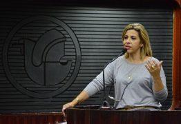 Revoltada com trabalho na CCJ, Eliza pede renúncia de Estela