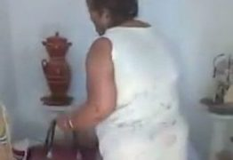 """INTOLERÂNCIA: Traficante clama """"sangue de Jesus"""" enquanto obriga mãe de santo a destruir próprio terreiro – VEJA VÍDEOS"""