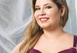 Marília Mendonça posa de lingerie em ensaio de moda