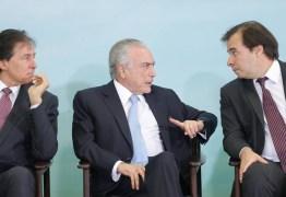 Rodrigo Maia cobra 'respeito' do Planalto e promete votar denúncia em outubro