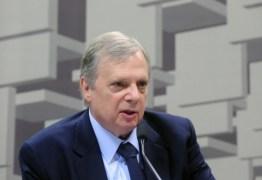 Tasso pede que Aécio renuncie ao comando do PSDB: 'Não há condições'