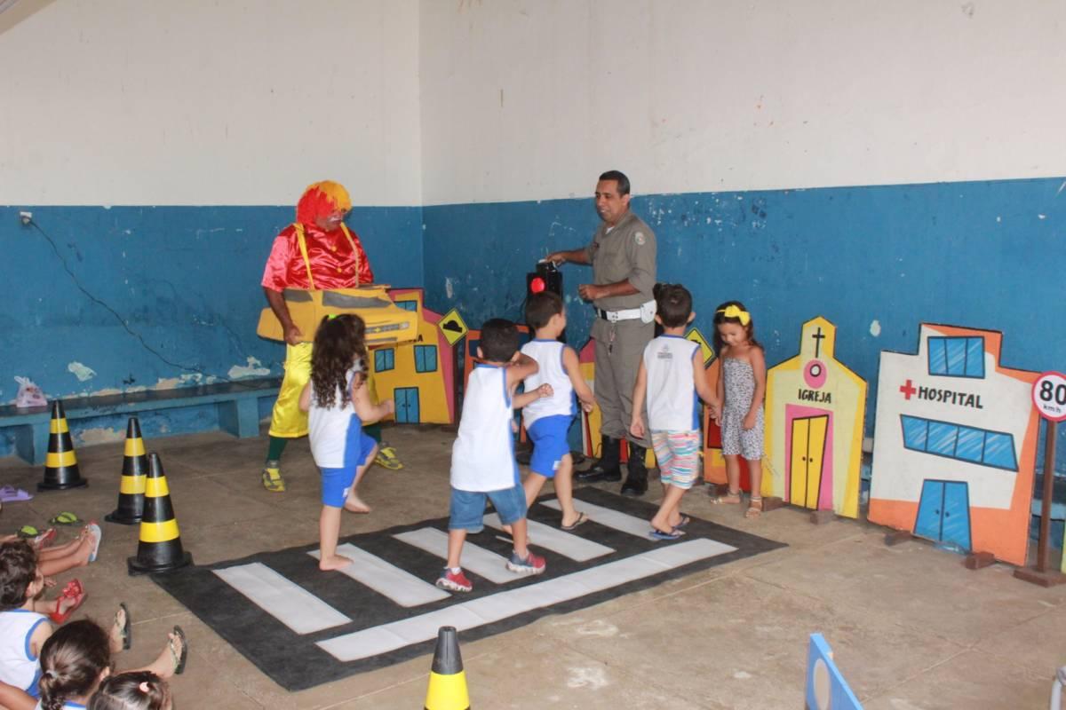 59d391e600c4a IMG 1080 - Creches de Patos participam do Projeto 'Uma Semana Transitando com Você' da 4ª CPTran