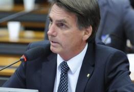 Jair Bolsonaro usa redes sociais para atacar Miriam Leitão