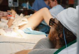 Pai com câncer cerebral assiste ao nascimento de seu primeiro filho -VEJA VÍDEO