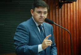 CRUZ VERMELHA: 'Esse assunto deve ser explicado e exposto', afirma Raniery Paulino