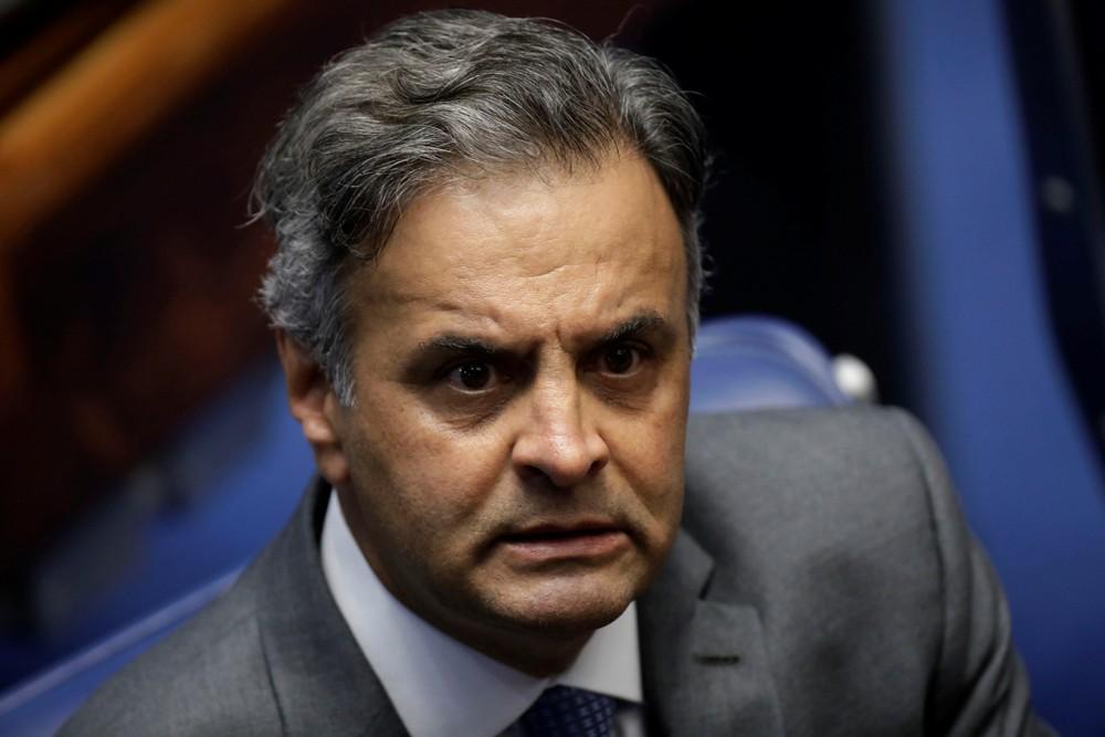 aecio 4 - Aécio diz que PSDB sairá do governo Temer 'Pela porta da frente'