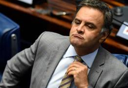 Aécio resiste em deixar comando do PSDB e agrava crise