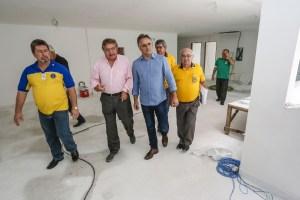 cartaxo 3 300x200 - Cartaxo visita obras do Hospital da Visão, em Mangabeira