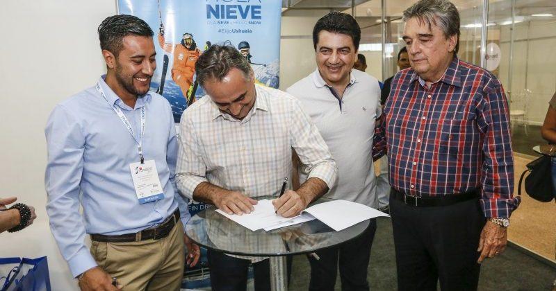 Sem meias palavras Ricardo Coutinho ataca Luciano Cartaxo e o convida para debate