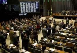 Saúde e educação perdem R$ 472 milhões para campanhas