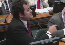 """""""Temer é um bandido! Sua hora vai chegar"""", diz deputado do PSOL durante sessão na CCJ"""