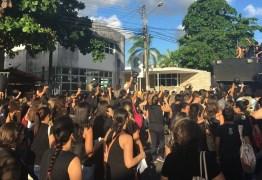 Protesto de enfermeiros em João Pessoa pede 'salvação do SUS' e fim de restrição