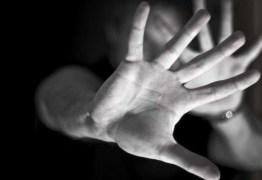 Homem é acusado de estuprar adolescente na frente do irmão de 3 anos