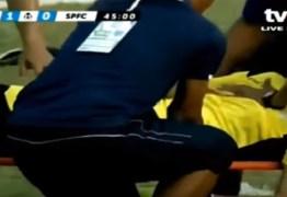 Goleiro morre após um forte choque com companheiro de equipe durante jogo