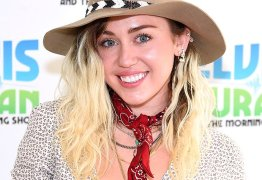 Miley Cyrus sobre Hannah Montana: 'Muita coisa para uma criança'