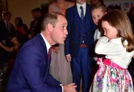 Príncipe William elogia criança que salvou a mãe