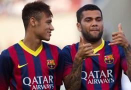 Neymar viaja com Dani Alves para premiação de melhor do mundo da FIFA