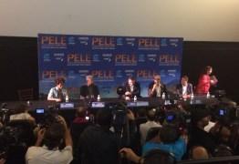 Com dores, Pelé falta a entrevista de divulgação de filme de sua vida