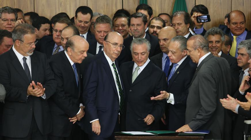 show LM temerposse ministros 20160512 011281 - Brasília é palco do grande balcão de negócios entre governo e políticos - Por Nonato Guedes