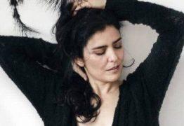 Letícia Sabatella posa ao natural, aos 46, sem maquiagem e retoques