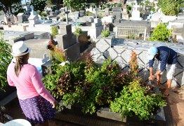 Cemitérios de João Pessoa devem receber 80 mil pessoas hoje