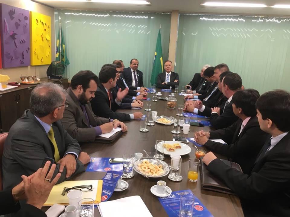 23435476 1620456591343834 1750700476 n - Prefeitos paraibanos se reúne com Aguinaldo Ribeiro em Brasília